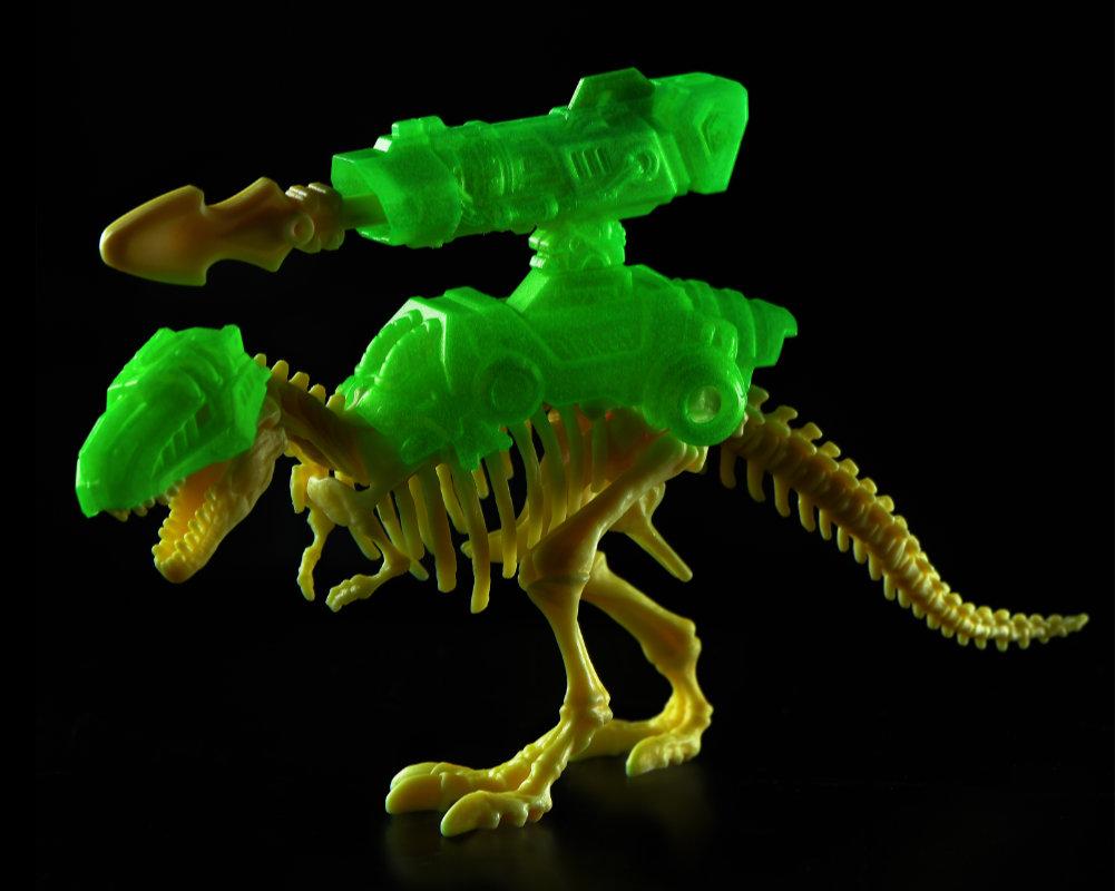 Niespodzianek 5! Dino Strike – świecące w ciemności - 5-surprise-dino-strike-gid-bez-opak-gid3-ep04062